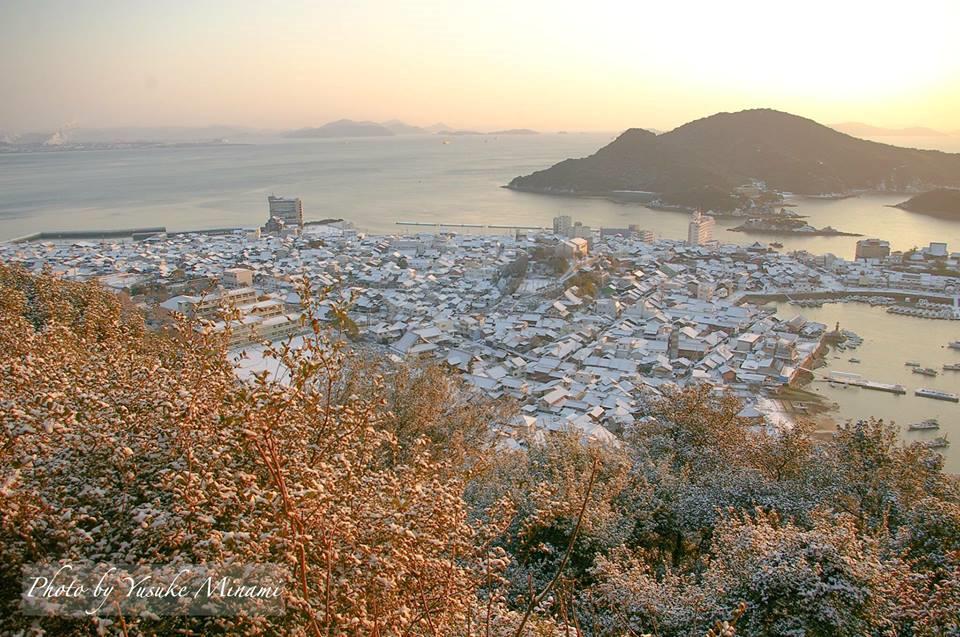 【雪景色】鞆の浦~寒波の夜明け~/太子殿(広島県福山市鞆の浦)