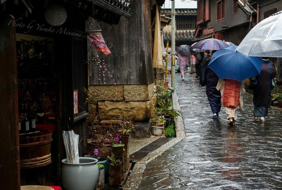 雨の日、鞆の浦~濡れた石畳~/広島県福山市